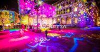 Proiezioni a tema natalizio con texture di stelle - Como Magic Light Festival