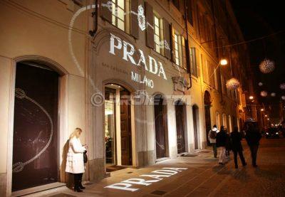 Proiezione per negozio Prada a Torino