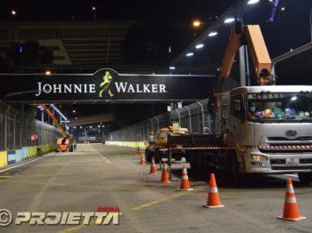 Singapore Grand Prix 2018: Illuminazione dei cartelloni pubblicitari sopra la pista