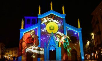 Chiesa di Pinerolo - Proiezione Natività di Lorenzo Lotto