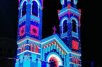 Grandi proiezioni mappate su cattedrali e campanili