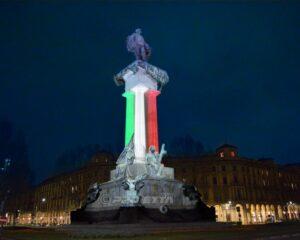 Tricolore sul Monumento a Vittorio Emanuele Torino
